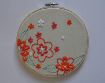 Floral Embroidery Hoop Art / Embroidery Hoop Art / hoop art/ Wall Art/ Wall Decor/Hoop Art/Hand Embroidery Art/Hanging Hoop