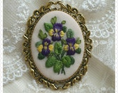 PB1 Purple pansies brooch