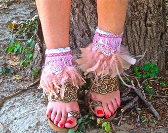 FREE SHIPPING!!! Leather cover boots,boho,hippie,chic,modern,ethnic, cubrebotas de piel,etnico,feathers,plumas
