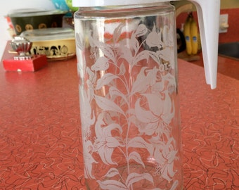 Vintage Tang Pitcher White Lillies