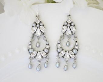 Swarovski vintage style chandelier earring, Rhinestone and pearl bridal earring, Pale gray wedding earring