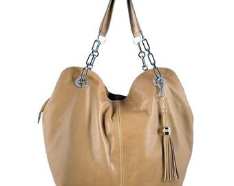 Viareggio: Very comfortable hobo bag to carry, made of butter soft Italian sauvage leather