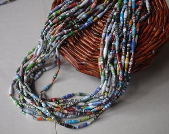 Paper necklace (12 strands)