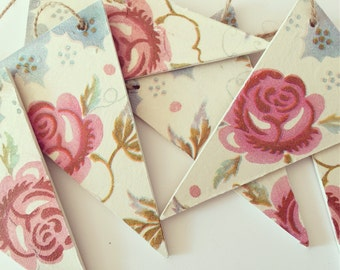 Hand made Emma Bridgewater 'rose & bee' style triangle bunting