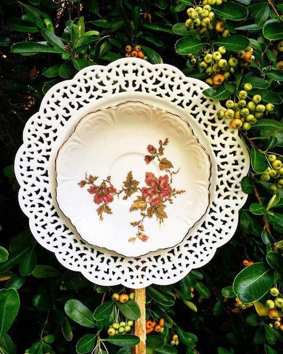 Viletta yard art glass garden flower vintage repurposed for Garden art from old dishes