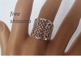 Woman's sterling silver band ring, 92.5 sterling silver, lace design