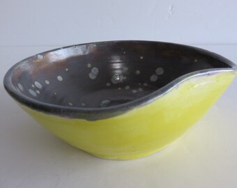 Modern Pottery Signed, Heavy Yellow Glaze and Grey Spotted Matte Glaze Inside.