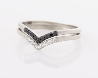 14K White Gold Chevron Rings, Black and White Diamonds Rings, Stackable Rings, Wedding Rings Set, V Shaped Rings, Delicate Rings