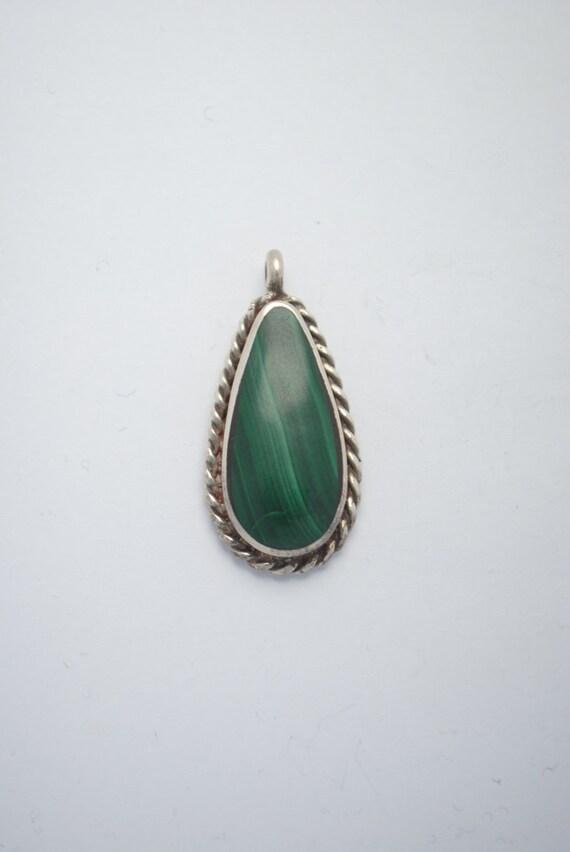 Malachite pendant, vintage pendant, drop pendant, boho pendant, ethnic pendant, woman pendant, malachite jewellery, vintage jewellery