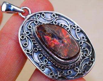 Stunning Ammolite & 925 Sterling Silver Pendant