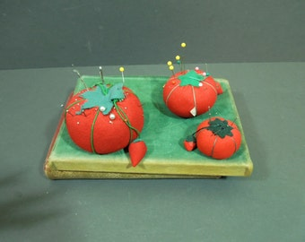 Vintage Pin cushion Sewing tomato vintage - prop display sewing room - sewing notions