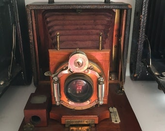 Antique wooden Camara