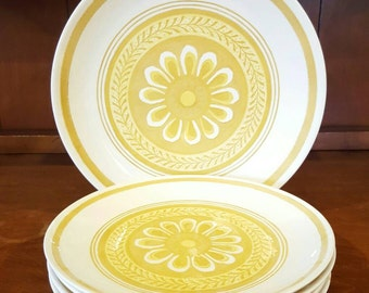 Cavalier Ironstone Yellow Gold Daisy Pattern