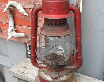 Vintage lamp has oil (gsw) beacon canada of the 1920s