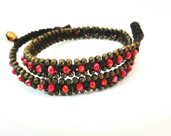 Bracelet with freshwater pearls and red glass and bronze