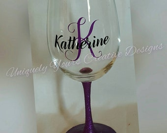 Personalize Wine Glass, Glitter Wine Glass, Personalized Gift, Wine Lovers Gift, Any Occasion Gift, Bridesmaid Gift, Gift Idea, Realtor Gift