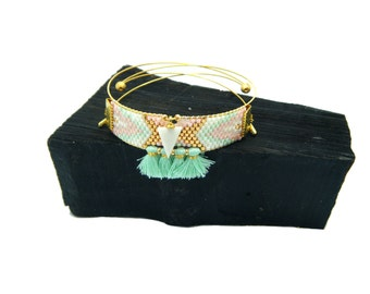 Cuff triangle wood and woven beads
