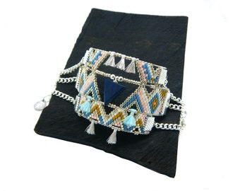 Cuff wide wooden triangle and Scandinavian colors