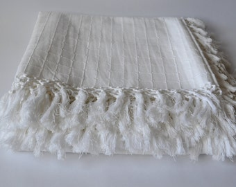Christmas Table Cloth White – Woven Tassel Edge Bedspread– Bed sheet White – 100% Cotton– Hand Woven – Summer Bed Linen– Fair Trade
