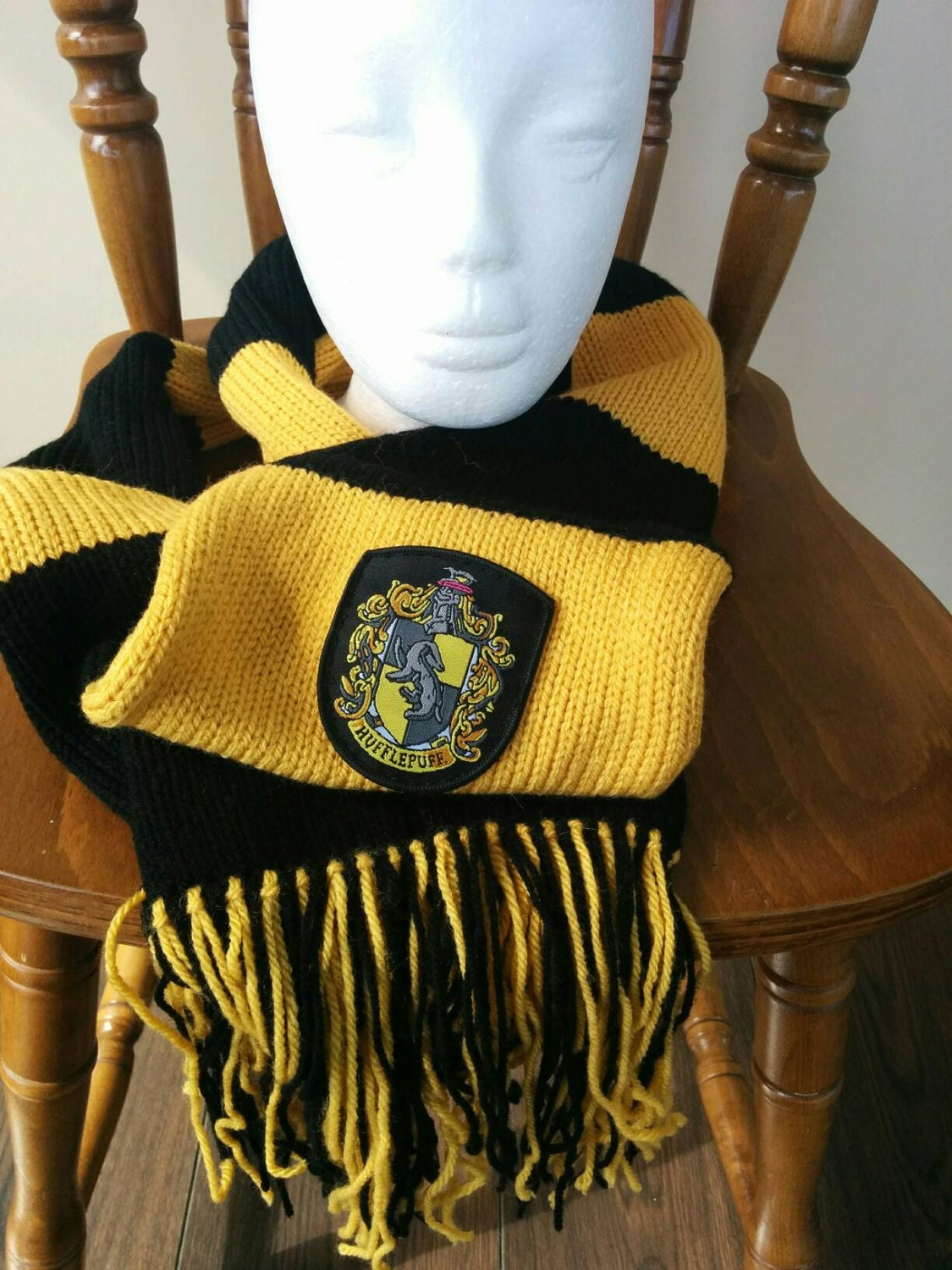 Hufflepuff Scarf Knitting Pattern : Harry potter hufflepuff scarf with tassles & crest by AFcraft