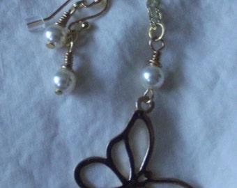 Gold Butterfly & Pearl Earrings Set