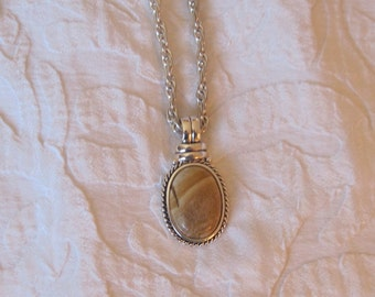 Shiny Silver plated Byzantine Chain Necklace With Light Brown Agate Pendent Stamped RMN
