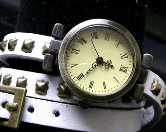 BRACELET watch leather white colour with pen dial vintage