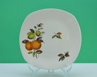 Midwinter 'Oranges and Lemons' John Russell design plate, Stylecraft Fashion shape, from the early 1960s