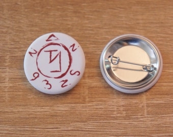 "Badge/ Pin ""ANGEL SIGIL"" - SUPERNATURAL / Sam Winchester / Dean Winchester / Castiel / Crowley / Bobby Singer"