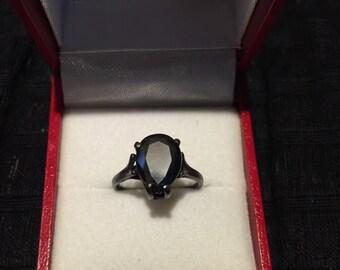 The Noir Ring