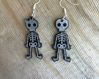 Skeleton couple dangles