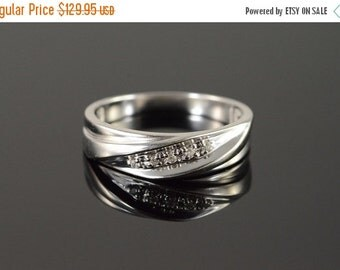 ON SALE 10K 0.05 Ctw Diamond Twist Wedding Band Men's Ring Size 10.5 White Gold