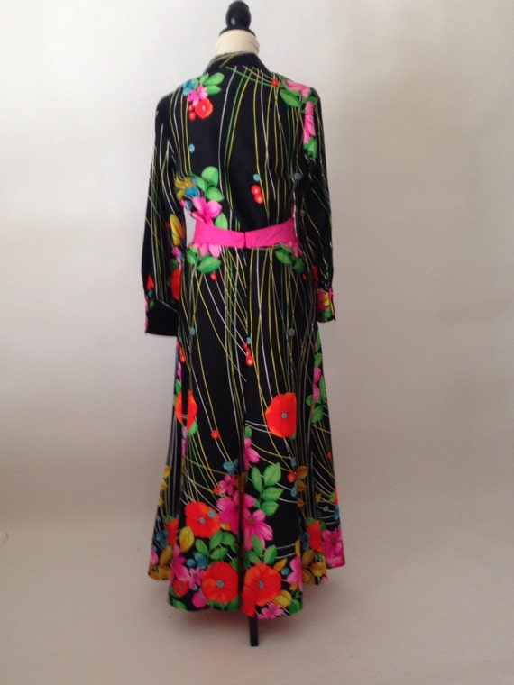 1970 s maxi skirt and matching top bold floral print