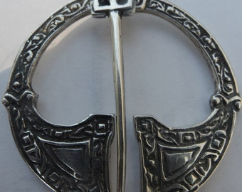 Vintage Malcolm Gray Ortak (Orkney) Silver Penannular Celtic Brooch 39mm - 1977 - FREE UK SHIPPING.