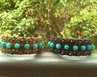 Macrame bracelet with jade