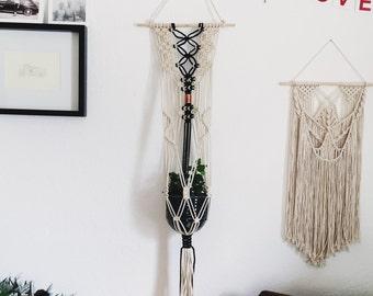 Macrame Plant hanger and Handmade Ceramic Pot // Wall Hanging and Ceramic Planter