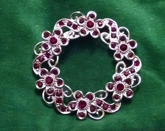 Vintage ruby wreath brooch pin nickel free