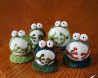 5 frogs in wool felted needle
