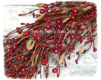 Red Berry Garland, Holiday Garland, Country Home Decor, Christmas Berries, Wreaths and Swags
