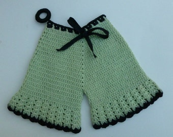 Vintage Crocheted Pot Holder, Pale Green Pantaloons, Black Trim