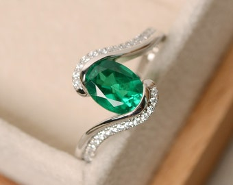 Emerald ring, oval cut ring, emerald engagement ring, green gemstone ring, ring emerald gemstone