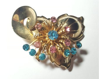 Adorable Vintage Pink and Baby Blue Rhinestone Pin Brooch