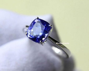 Tanzanite Engagement Ring (Heart Shaped Gold Side)