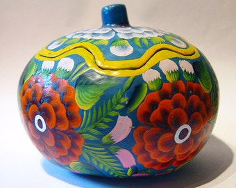 Vintage Mexican Folk Art Olinala Hand-Painted Lacquered Gourd Mexico
