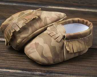 Camo Moccasins Brown. Adorable baby shoes, trendy shoes for your baby, toddler shoes, crib shoes, baby boy mocs
