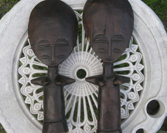 2 Primitive African wood carved figurines, Rare Alien head