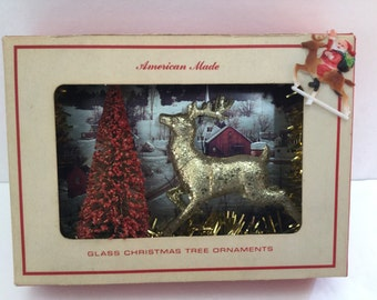 SALE! Vintage Christmas Kitsch Diorama/Shadowbox. Free Shipping. One of a Kind!