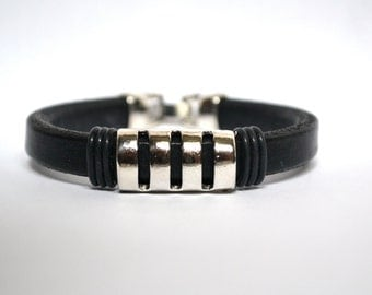 Black Leather Bracelet/Antique Silver Magnetic Clasp/Antique Silver Spacer/Men's Bracelet