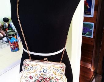 Vintage purse, vintage little purse, vintage bag, vintage purse.