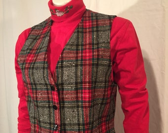 Vintage Pendleton  Women's Red Green Black White Christmas Plaid Vest 10 Medium M Made in USA UGLY CHRISTMAS SWEATEr